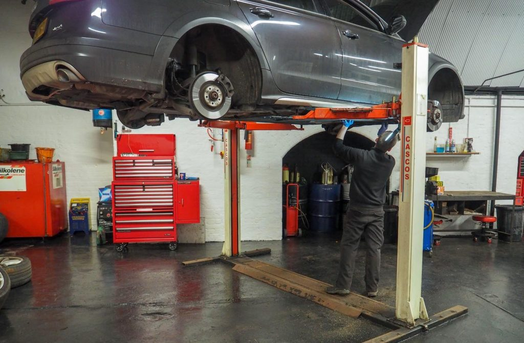 Duffy Motors - MOT & Car Service in Central Manchester